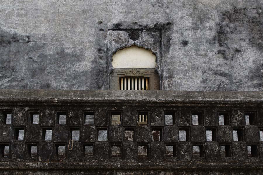 Tomb detail